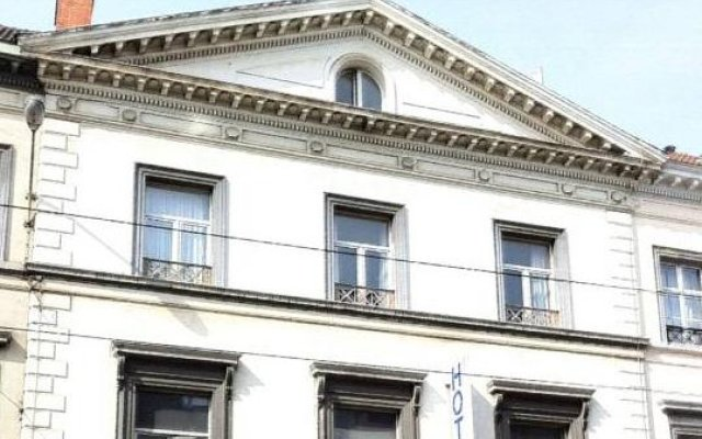 Отель Brussels Royotel вид на фасад