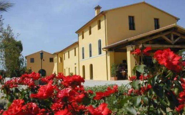 Campastrello Sport Hotel Residence Кастаньето-Кардуччи вид на фасад