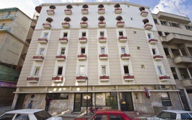Ugurlu Hotel вид на фасад