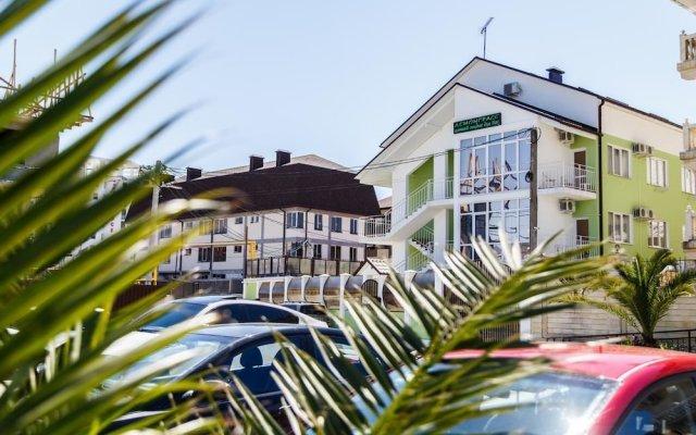 Гостиница Lemongrass Guest House в Сочи отзывы, цены и фото номеров - забронировать гостиницу Lemongrass Guest House онлайн вид на фасад