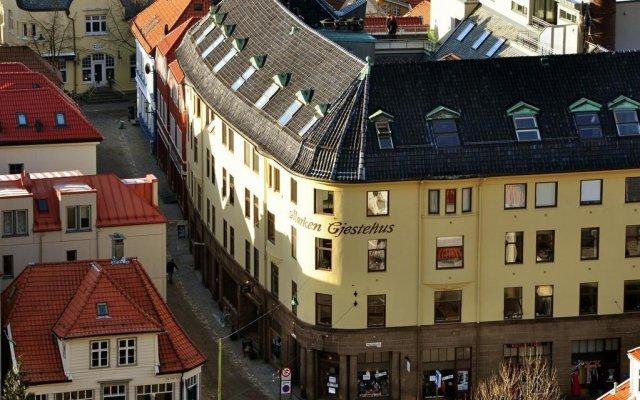 Отель Marken Guesthouse Берген вид на фасад