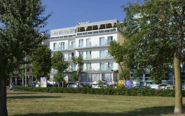 Hotel Merano Римини вид на фасад