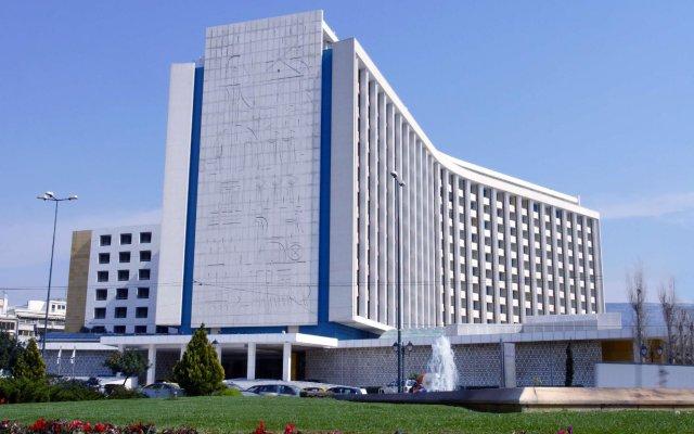 Отель Hilton Athens Греция, Афины - отзывы, цены и фото номеров - забронировать отель Hilton Athens онлайн вид на фасад