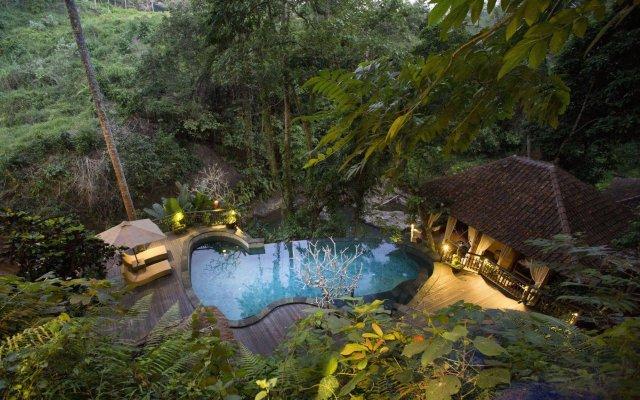 Отель Svarga Loka Resort