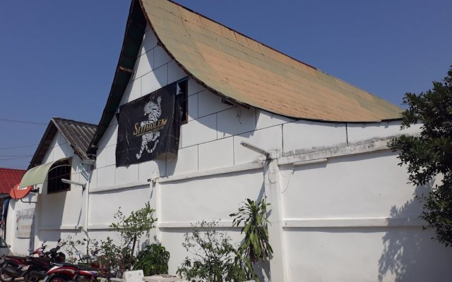 Sitpholek Muay Thai Camp - Hostel Паттайя вид на фасад