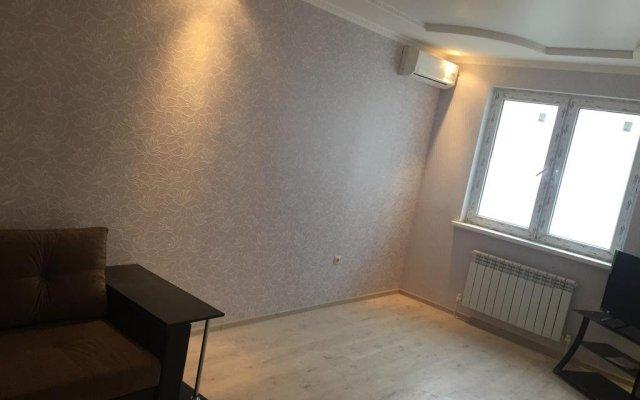 Гостиница Apartmrnt On 64 Parkovaya Ulitsa в Анапе отзывы, цены и фото номеров - забронировать гостиницу Apartmrnt On 64 Parkovaya Ulitsa онлайн Анапа комната для гостей