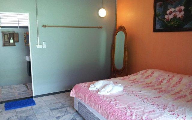 Отель Toff Lanta Guest House Ланта комната для гостей