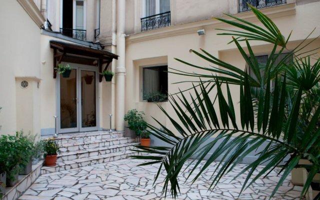 Est Hotel вид на фасад