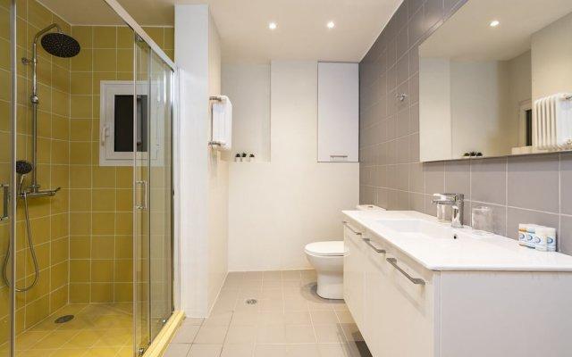 Отель Ingenuity Flat near the Zappeion Park Афины ванная