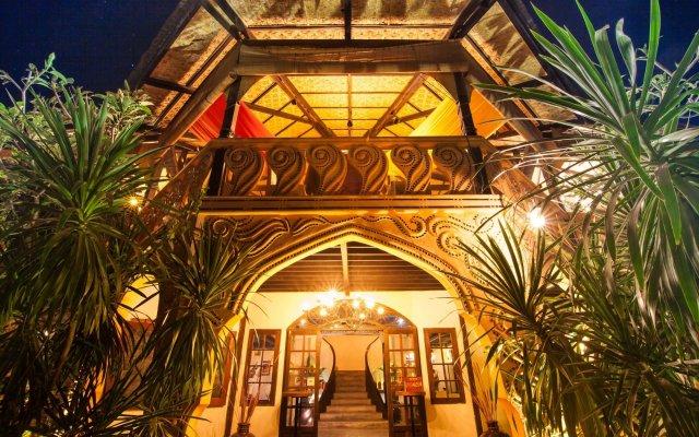 Отель ViewPoint Lodge & Fine Cuisines вид на фасад