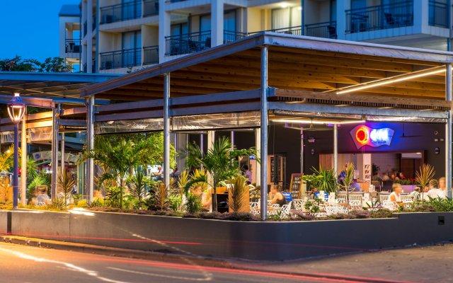 Отель Airlie Beach Эйрли-Бич вид на фасад