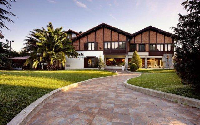 Отель Atalaia Испания, Ирун - отзывы, цены и фото номеров - забронировать отель Atalaia онлайн вид на фасад