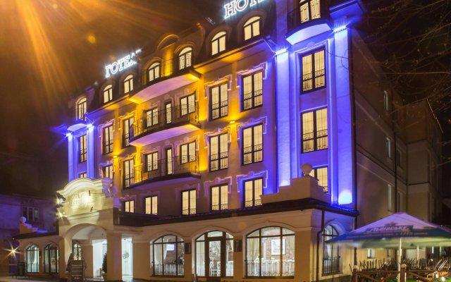 Гостиница Нота Бене вид на фасад