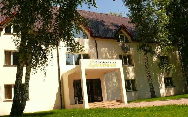 Гостиница Солнечная в Катуни отзывы, цены и фото номеров - забронировать гостиницу Солнечная онлайн Катунь вид на фасад