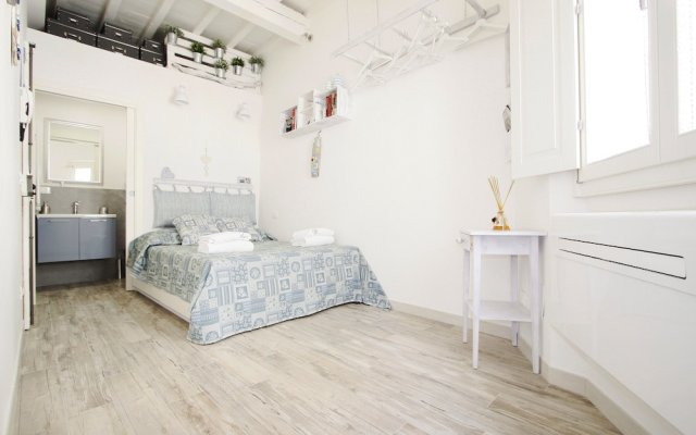 Апартаменты Santa Maria Novella Studio in Florence комната для гостей