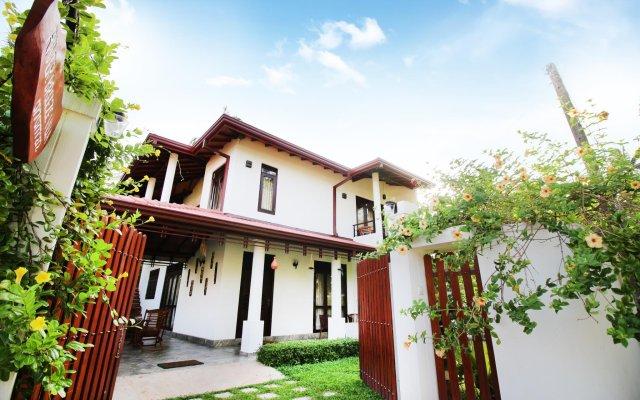 Отель River Breeze Villa Bentota Шри-Ланка, Бентота - отзывы, цены и фото номеров - забронировать отель River Breeze Villa Bentota онлайн вид на фасад
