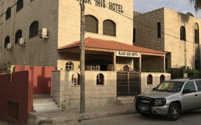 Отель Black Iris Hotel Иордания, Мадаба - отзывы, цены и фото номеров - забронировать отель Black Iris Hotel онлайн вид на фасад