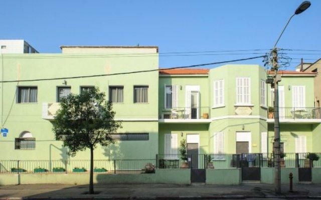 Отель Liber Seashore Suites Тель-Авив вид на фасад