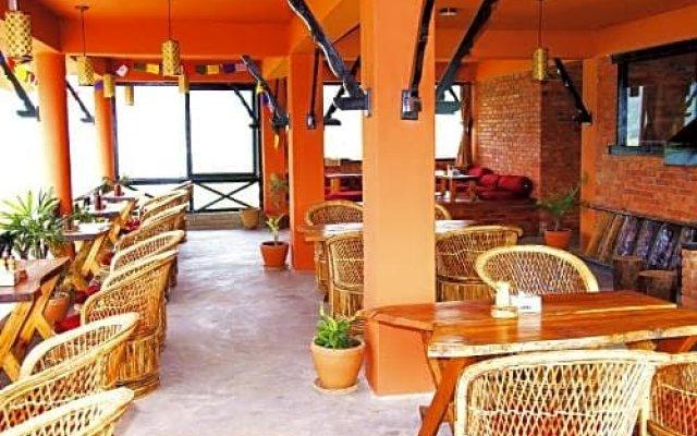 Отель Nar-Bish Hotel Непал, Покхара - отзывы, цены и фото номеров - забронировать отель Nar-Bish Hotel онлайн вид на фасад