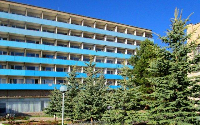 Отель Голубой Иссык-Куль вид на фасад