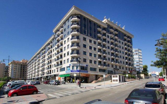 Отель Apartamentos Nuriasol Испания, Фуэнхирола - 7 отзывов об отеле, цены и фото номеров - забронировать отель Apartamentos Nuriasol онлайн вид на фасад