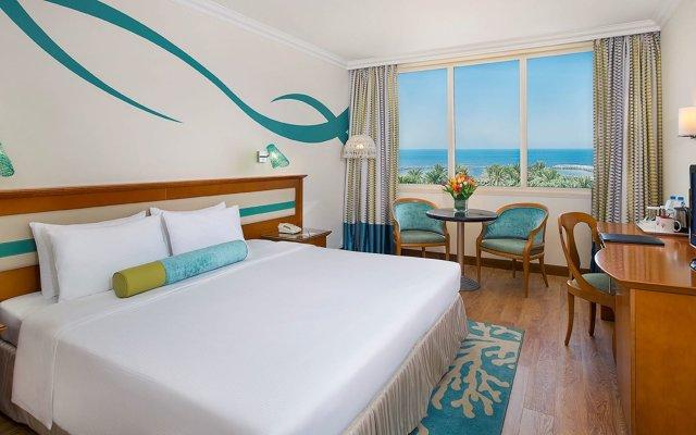 Отель Coral Beach Resort - Sharjah ОАЭ, Шарджа - 8 отзывов об отеле, цены и фото номеров - забронировать отель Coral Beach Resort - Sharjah онлайн комната для гостей