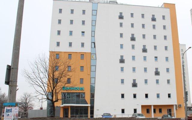 Гостиница Bon вид на фасад