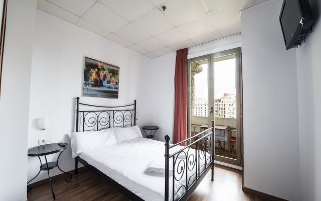 Отель Safestay Passeig de Gracia Испания, Барселона - отзывы, цены и фото номеров - забронировать отель Safestay Passeig de Gracia онлайн вид на фасад