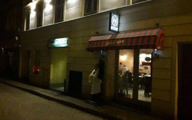 Отель Wroclov Hostel Польша, Вроцлав - отзывы, цены и фото номеров - забронировать отель Wroclov Hostel онлайн вид на фасад