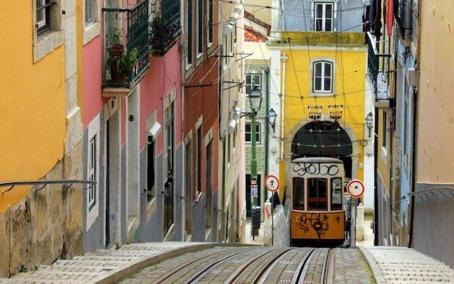 Отель Bairro Alto Centre of Lisbon Португалия, Лиссабон - отзывы, цены и фото номеров - забронировать отель Bairro Alto Centre of Lisbon онлайн вид на фасад