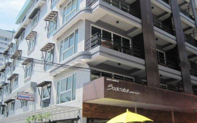 Отель Sooksabai Jomtien Beach Таиланд, Паттайя - отзывы, цены и фото номеров - забронировать отель Sooksabai Jomtien Beach онлайн вид на фасад