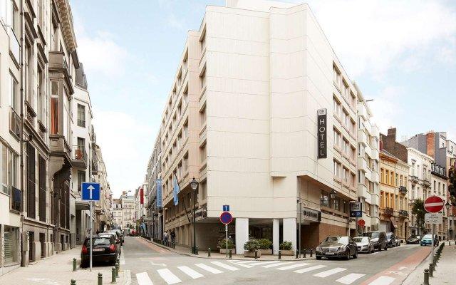 Отель NH Brussels Stéphanie вид на фасад