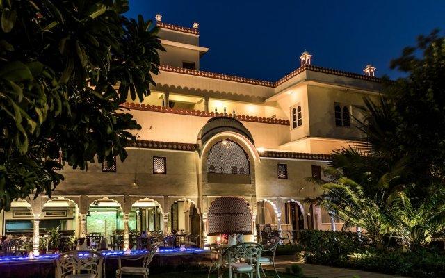 Отель Mandawa Haveli вид на фасад