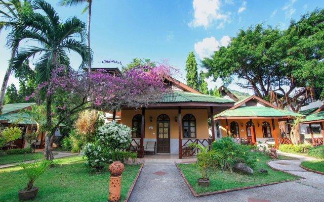 Отель Eden Bungalow Resort вид на фасад