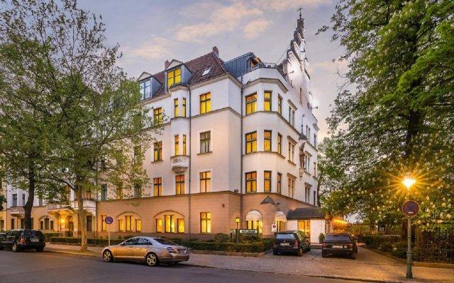 Отель Novum Hotel Kronprinz Berlin Германия, Берлин - 4 отзыва об отеле, цены и фото номеров - забронировать отель Novum Hotel Kronprinz Berlin онлайн вид на фасад