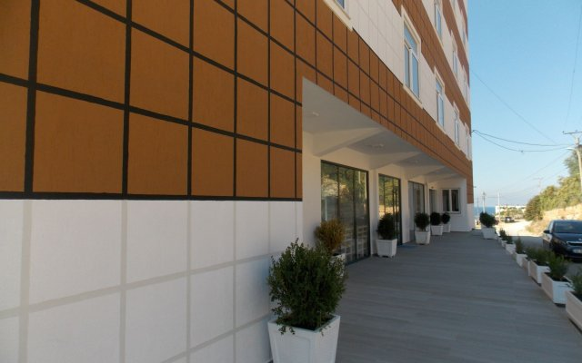 Hotel Mucobega 2 Саранда вид на фасад