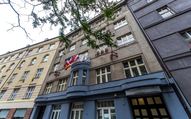 Отель Welcome ApartHostel Prague вид на фасад