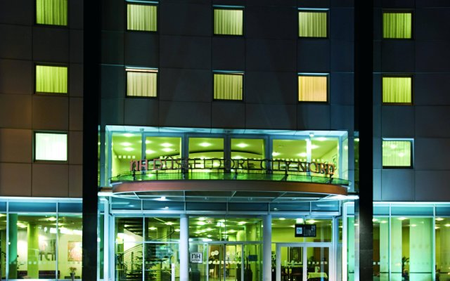 Hotel NH Düsseldorf City Nord вид на фасад