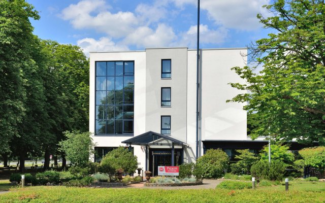 Отель Best Western Premier Parkhotel Kronsberg вид на фасад