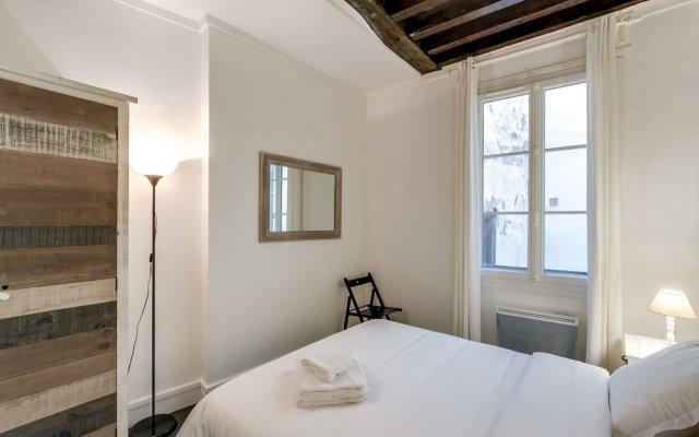Отель Louvre - Saint Honore Area Apartment Франция, Париж - отзывы, цены и фото номеров - забронировать отель Louvre - Saint Honore Area Apartment онлайн комната для гостей