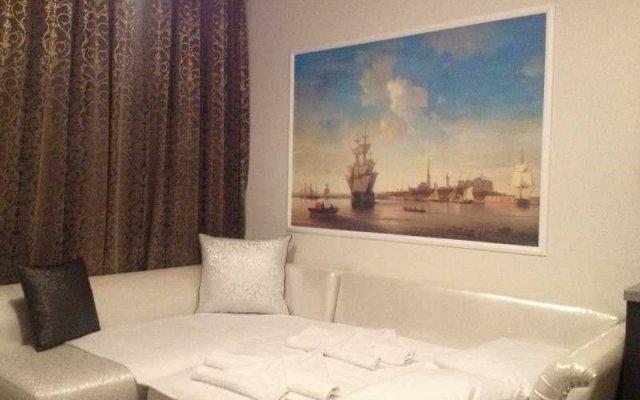 Апартаменты Persey Admiral Plaza Apartments Солнечный берег комната для гостей