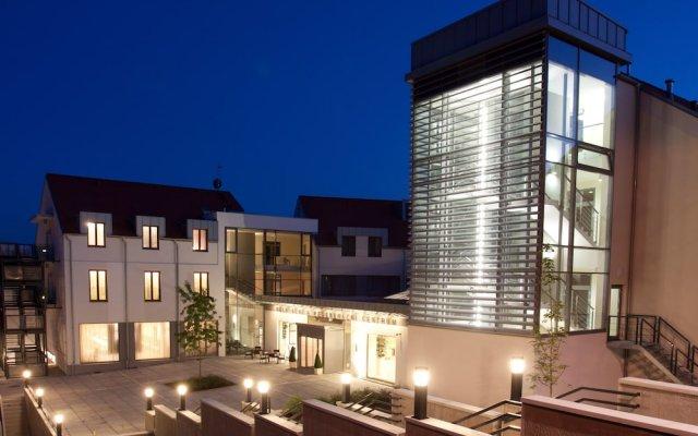 Wellness Hotel Diamant Глубока-над-Влтавой вид на фасад