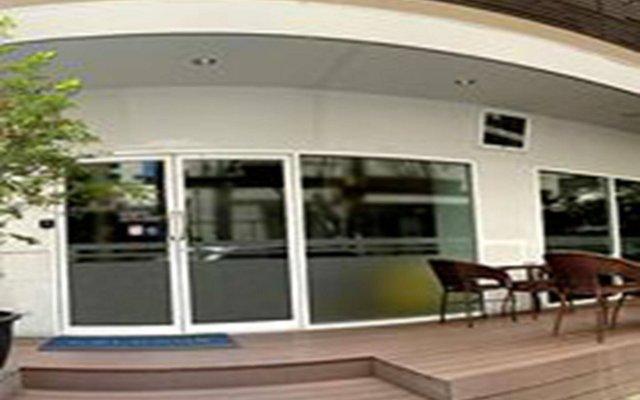 Отель Nantra Silom вид на фасад