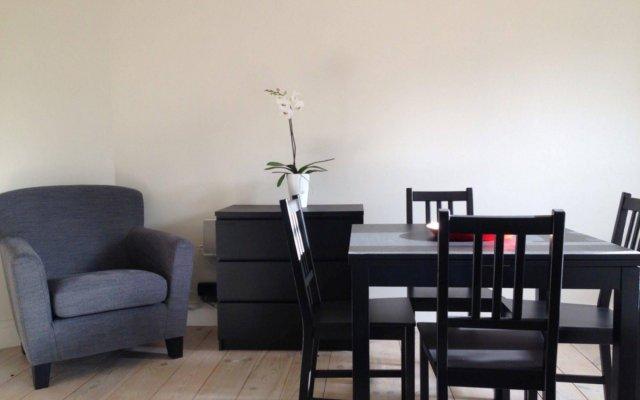 Отель Zurenborg Studios Антверпен комната для гостей