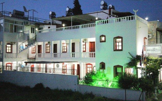 Отель Alba Marin вид на фасад