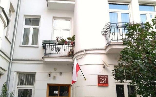 Отель Aparthotel Nowy Swiat 28 Варшава вид на фасад