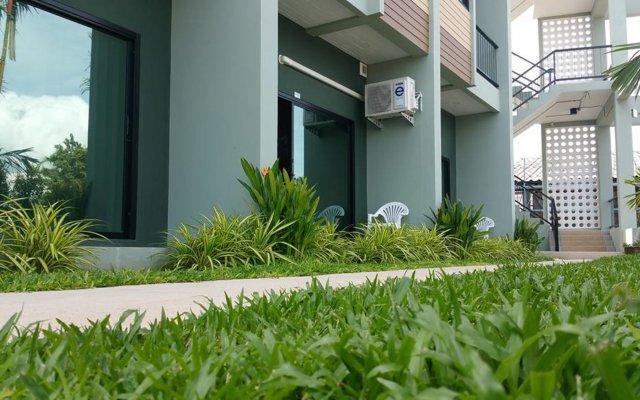 Отель Phuket Airport Place вид на фасад