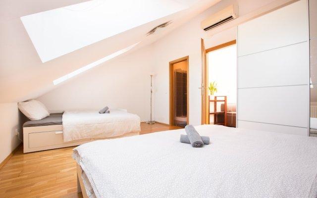 Апартаменты Premier Apartment Vysehrad Прага комната для гостей