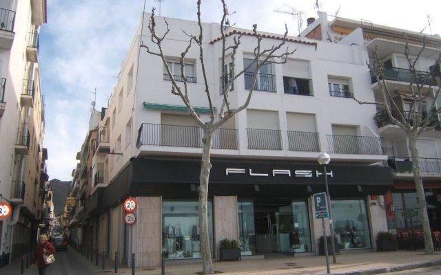Отель Agi Macia Испания, Курорт Росес - отзывы, цены и фото номеров - забронировать отель Agi Macia онлайн вид на фасад