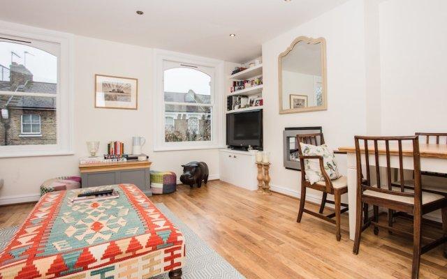 Отель 2 Bedroom Home In Islington комната для гостей